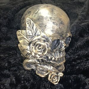 Other - Gorgeous Gold Skull. Quality product.